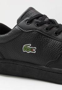 Lacoste - MASTERS CUP - Sneakers laag - black - 5