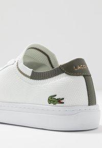 Lacoste - LA PIQUEE - Sneakers - white/khaki - 5