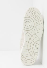 Lacoste - T-CLIP - Baskets basses - offwhite/light grey - 4