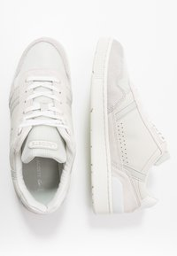 Lacoste - T-CLIP - Baskets basses - offwhite/light grey - 1