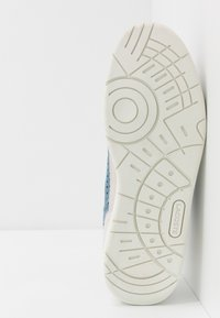 Lacoste - T-CLIP - Sneakers - offwhite/blue - 4