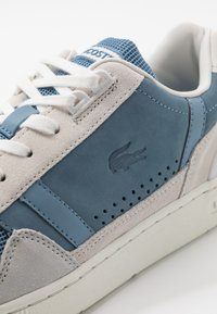 Lacoste - T-CLIP - Sneakers - offwhite/blue - 5