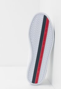 Lacoste - EUROPA - Sneaker low - white/navy/red - 4