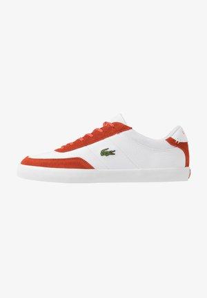 COURT MASTER - Zapatillas - white/orange