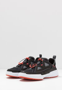 Lacoste - GENNAKER - Sneakers - black/orange - 2