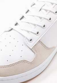 Lacoste - MASTERS CUP - Trainers - white/black - 5