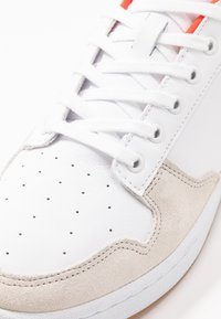 Lacoste - MASTERS CUP - Trainers - white/green - 5
