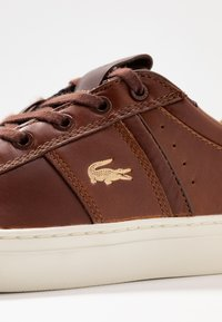 Lacoste - COURTLINE - Trainers - tan/offwhite - 5
