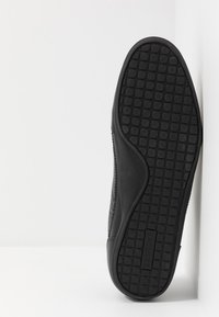 Lacoste - CHAYMON - Zapatillas - black/gold - 4