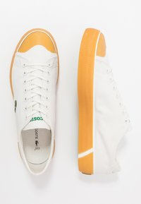 Lacoste - GRIPSHOT - Sneakersy niskie - offwhite - 1