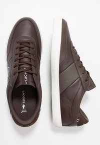 Lacoste - COURT MASTER - Trainers - dark brown/offwhite - 1