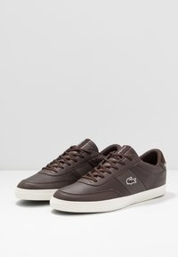 Lacoste - COURT MASTER - Trainers - dark brown/offwhite - 2