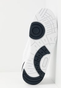 Lacoste - T-CLIP - Trainers - white/navy - 4
