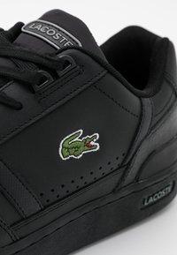 Lacoste - T-CLIP - Sneakersy niskie - black - 5