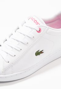 Lacoste - CARNABY EVO - Trainers - white/pink - 2