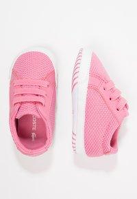 Lacoste - L.12.12 CRIB - Chaussons pour bébé - pink/white - 0