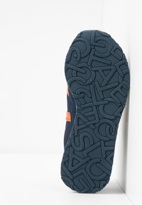 Lacoste - PARTNER - Trainers - navy/organge - 5