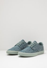 Lacoste - ESPARRE - Trainers - green/light green - 3