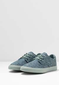 Lacoste - ESPARRE  - Trainers - green/light green