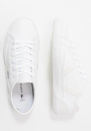 SIDELINE - Zapatillas - white/offwhite