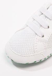 Lacoste - L.12.12 CRIB - Chaussons pour bébé - white/green - 2