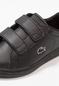 Lacoste - CARNABY EVO - Baby shoes - black - 2