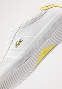 Lacoste - COURT-MASTER - Trainers - white/yellow - 2