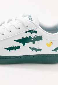 Lacoste - CARNABY EVO 120 - Trainers - white/green - 2