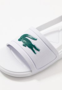 Lacoste - L.30 SLIDE - Pool slides - white/green - 2