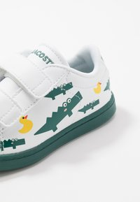 Lacoste - CARNABY EVO - Trainers - white/green - 2