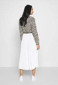 Lacoste - PLEATED SKIRT-JF5455 - A-line skirt - flour - 2