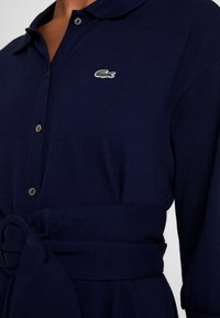 Lacoste - EF0681-00 - Robe chemise - navy blue - 5