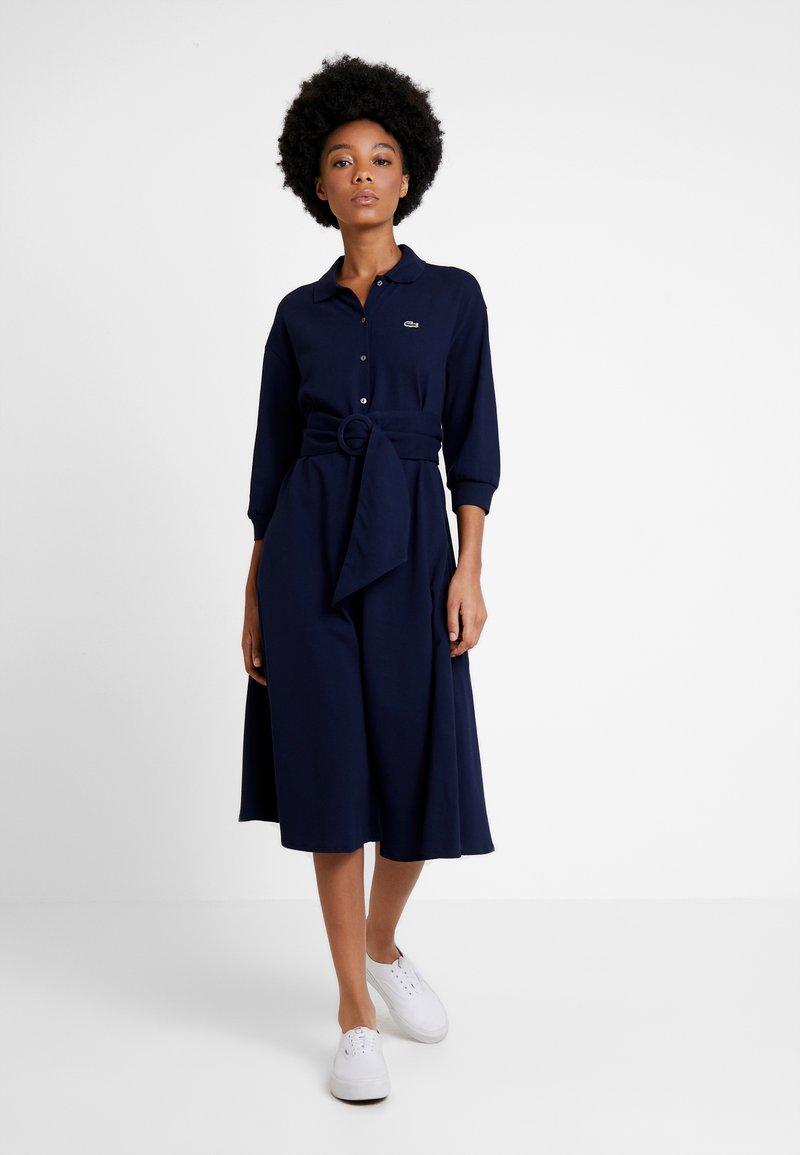 Lacoste - EF0681-00 - Robe chemise - navy blue