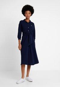 Lacoste - EF0681-00 - Robe chemise - navy blue - 2