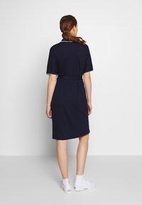 Lacoste - Sukienka letnia - navy blue/methylene subal - 2