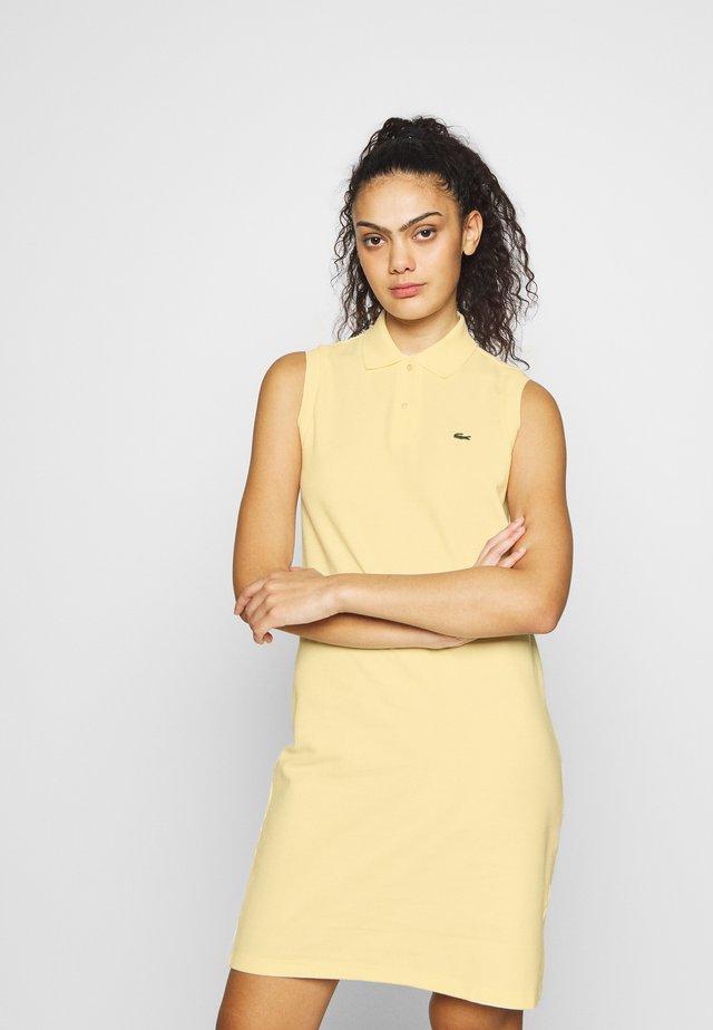 Korte jurk - clusi