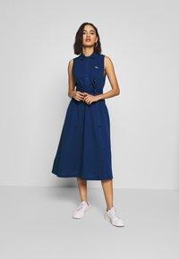 Lacoste - Jerseykjoler - blue - 1