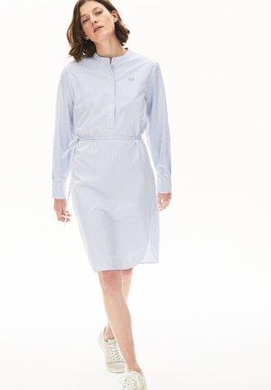 EF4525 - Robe chemise - bleu clair / blanc / bleu marine