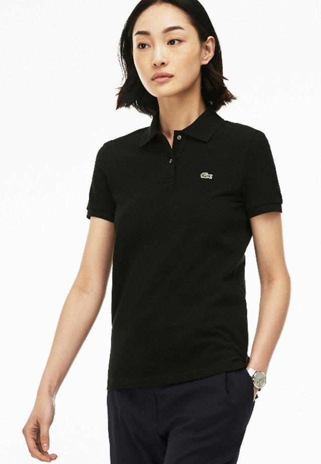 CLASSIC FIT DAMEN-POLOSHIRT AUS WEICHEM PETIT PIQUÉ - Polo shirt - black