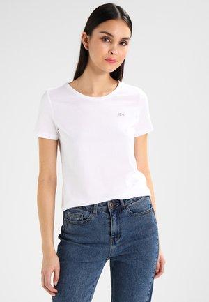 ROUND NECK CLASSIC TEE - T-shirts - white