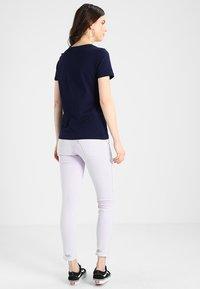Lacoste - ROUND NECK CLASSIC TEE - Basic T-shirt - marine - 2