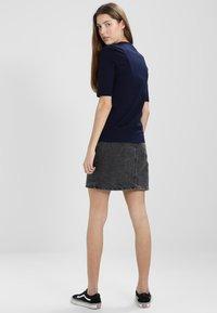 Lacoste - Basic T-shirt - marine - 2