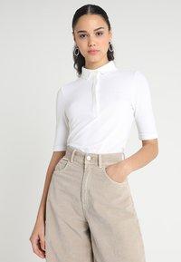 Lacoste - PF7844 - Polo shirt - blanc - 0