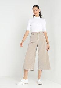 Lacoste - PF7844 - Polo shirt - blanc - 1