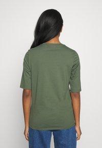Lacoste - ROUND NECK CLASSIC TEE - T-shirt basique - aucuba - 2