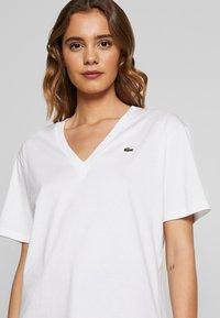 Lacoste - TF5458 - Basic T-shirt - white - 4