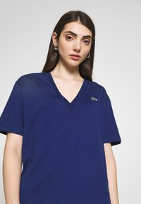 Lacoste - TF5458 - Basic T-shirt - methylene - 4