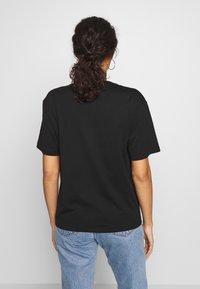 Lacoste - TF5458 - Basic T-shirt - black - 2