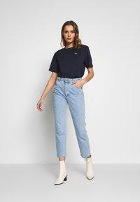 Lacoste - DAMEN RUNDHALS - T-shirt basic - navy blue - 1