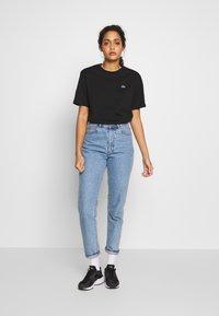 Lacoste - DAMEN RUNDHALS - T-shirt basique - black - 1